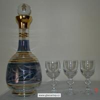 Dekorované lahve, karafy a džbány